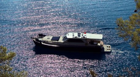 Blue Cruise yacht charter